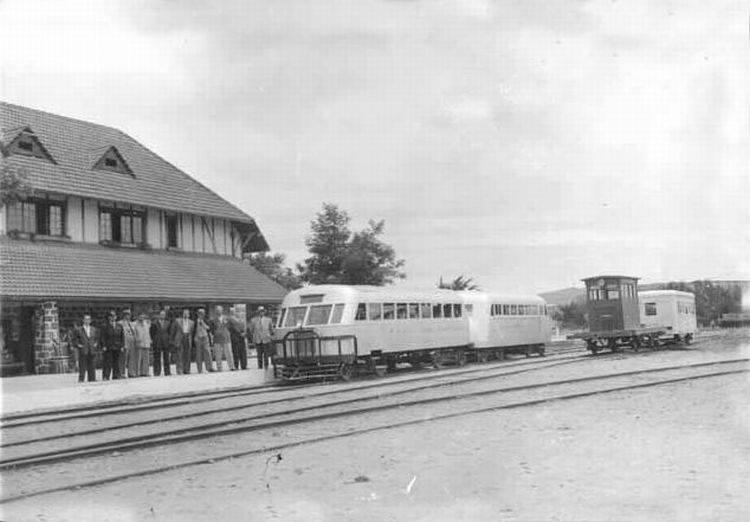 Enterreno - Fotos históricas de chile - fotos antiguas de Chile - Casa Estación Quintero en 1950