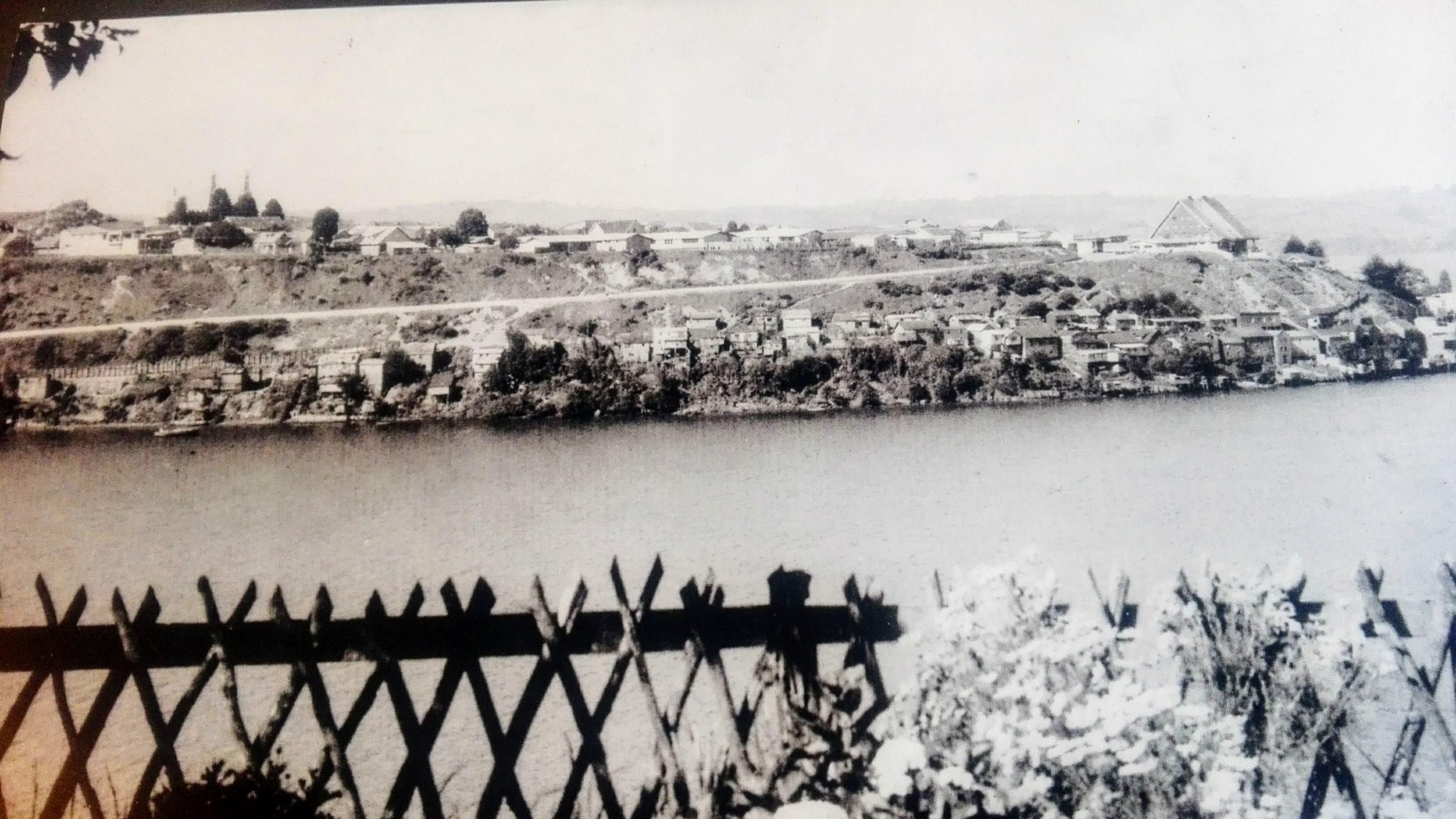 Enterreno - Fotos históricas de chile - fotos antiguas de Chile - Castro en 1977