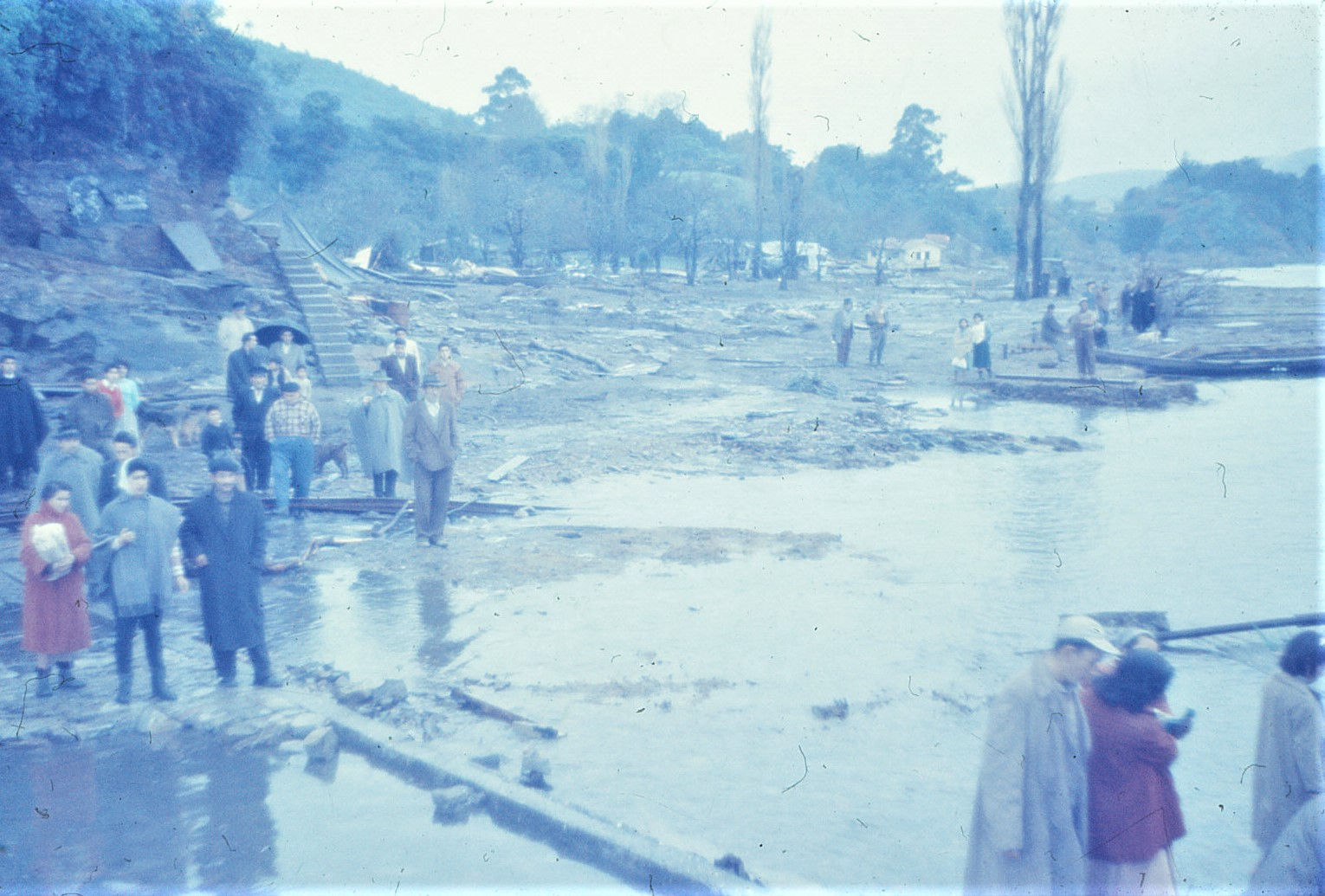 Enterreno - Fotos históricas de chile - fotos antiguas de Chile - Terremoto Valdivia, 1960