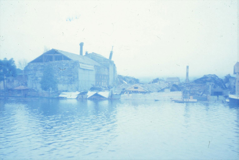 Enterreno - Fotos históricas de chile - fotos antiguas de Chile - Terremoto Valdivia, 1960