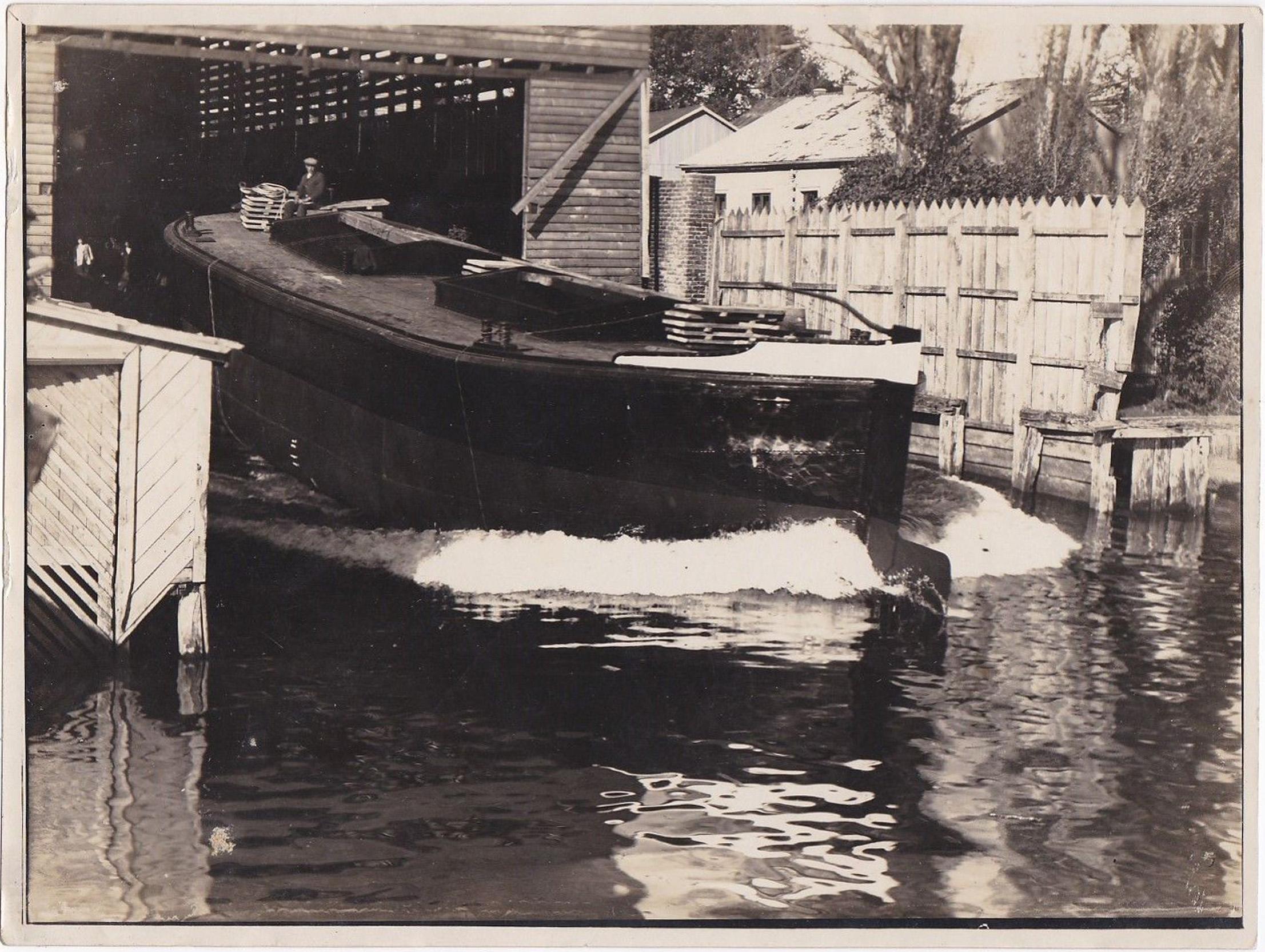 Enterreno - Fotos históricas de chile - fotos antiguas de Chile - Astillero de Valdivia en 1927