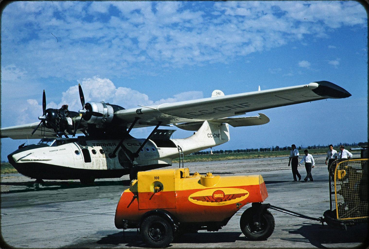 Enterreno - Fotos históricas de chile - fotos antiguas de Chile - Avión en Cerrillos, 1978