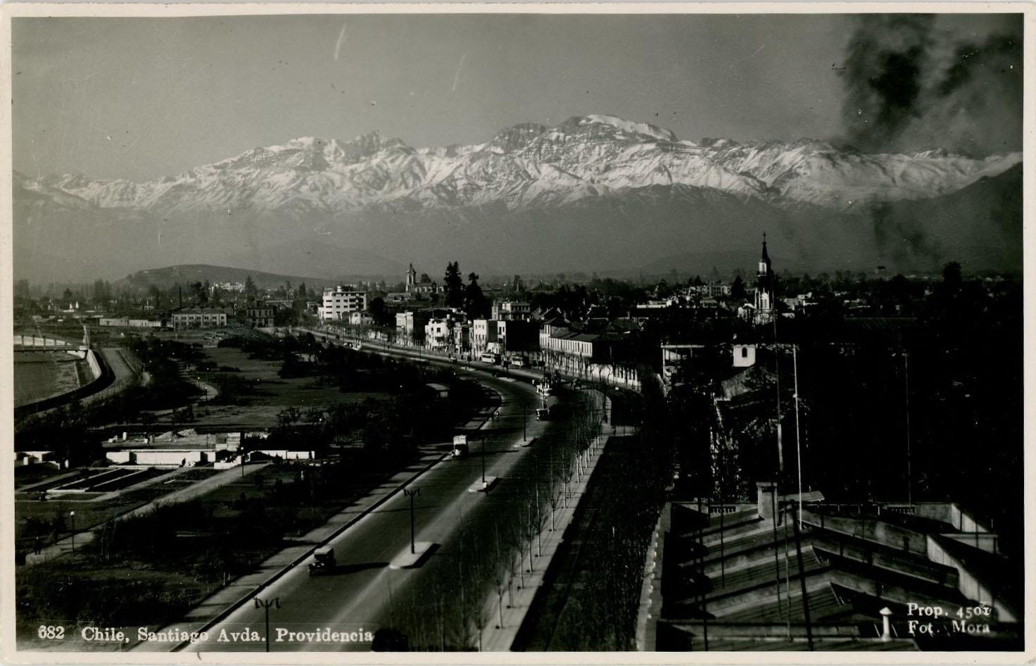 Enterreno - Fotos históricas de chile - fotos antiguas de Chile - Providencia en 1945