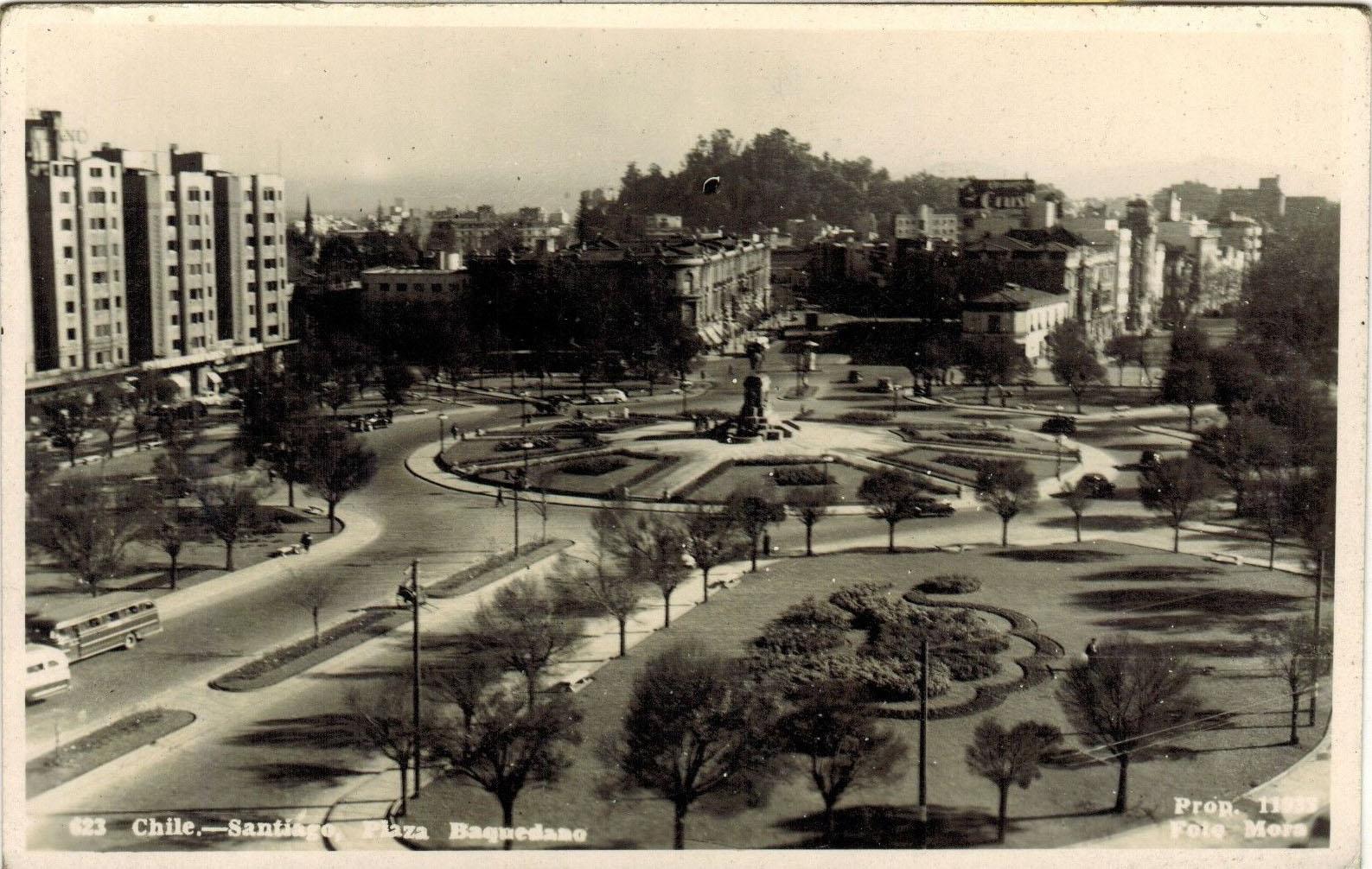 Enterreno - Fotos históricas de chile - fotos antiguas de Chile - Plaza Baquedano de Santiago en 1948