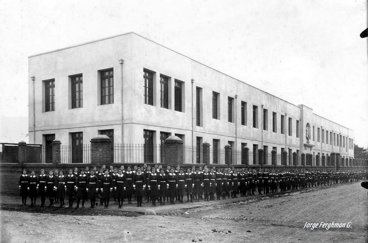 Enterreno - Fotos históricas de chile - fotos antiguas de Chile - Colegio Inmaculada Concepción de San Fernando, 1943
