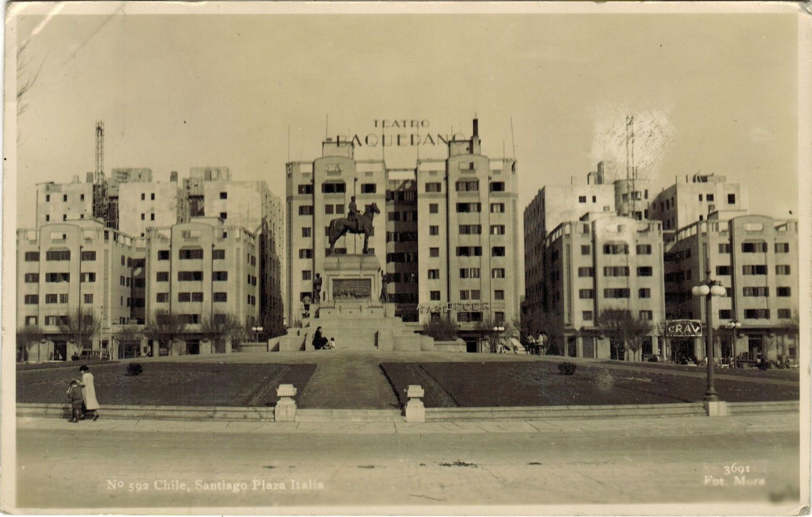 Enterreno - Fotos históricas de chile - fotos antiguas de Chile - Edificios Turri, Santiago 1938