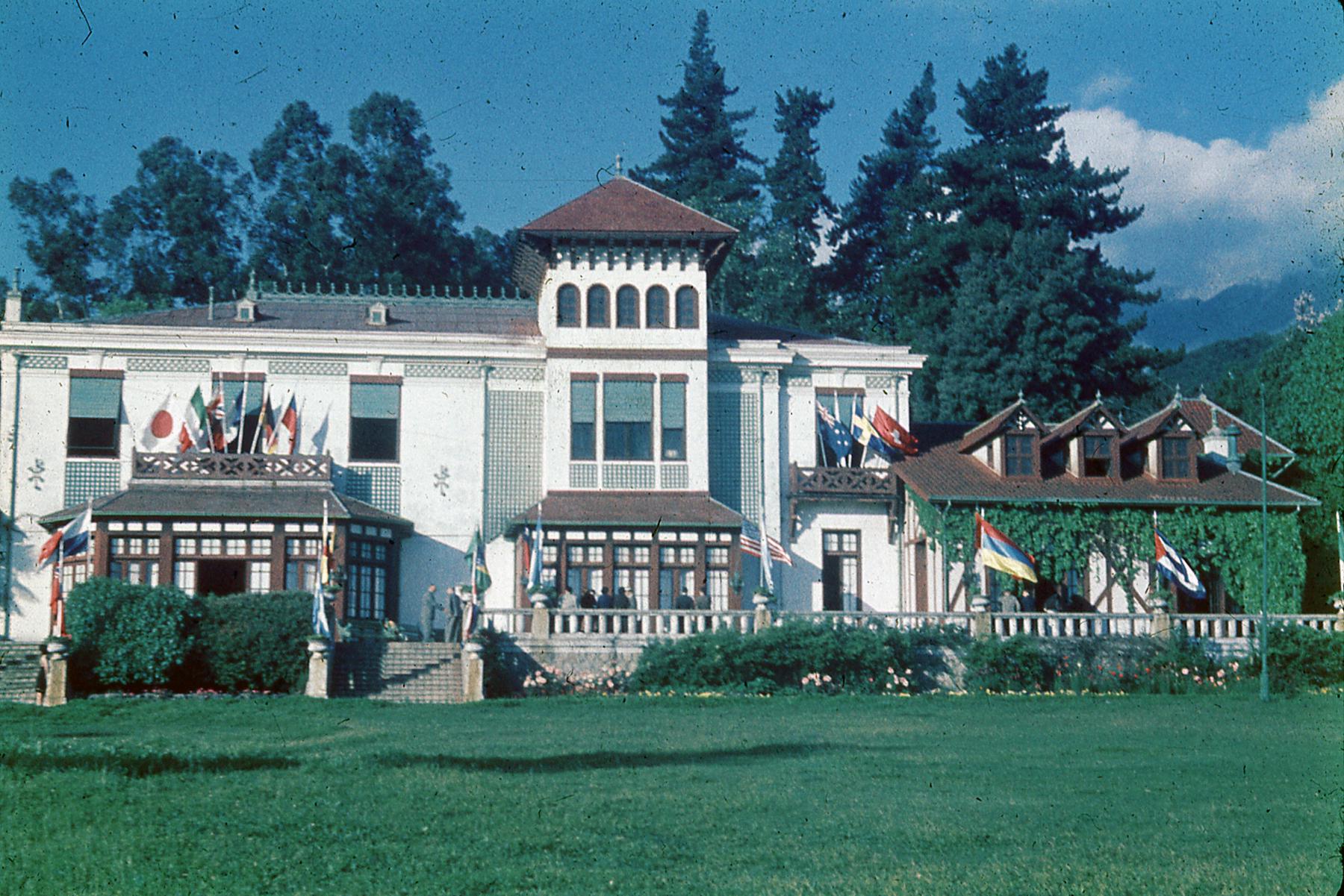 Enterreno - Fotos históricas de chile - fotos antiguas de Chile - Casa ex Hacienda La Punta 1952