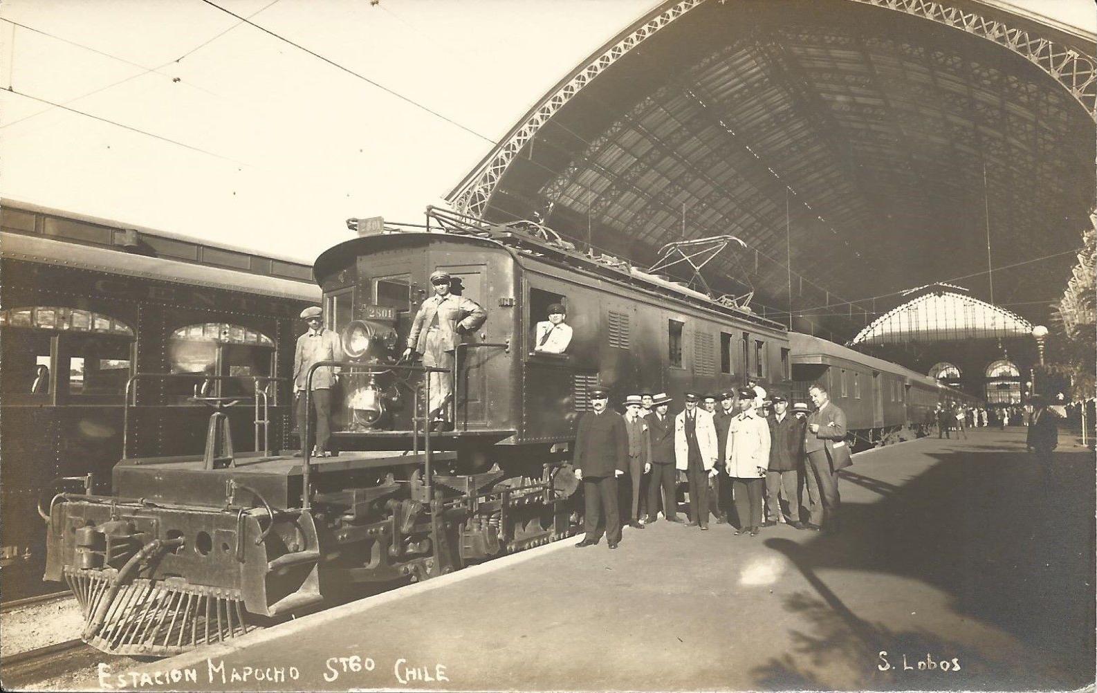 Enterreno - Fotos históricas de chile - fotos antiguas de Chile - Tren expreso a Valparaíso en 1925