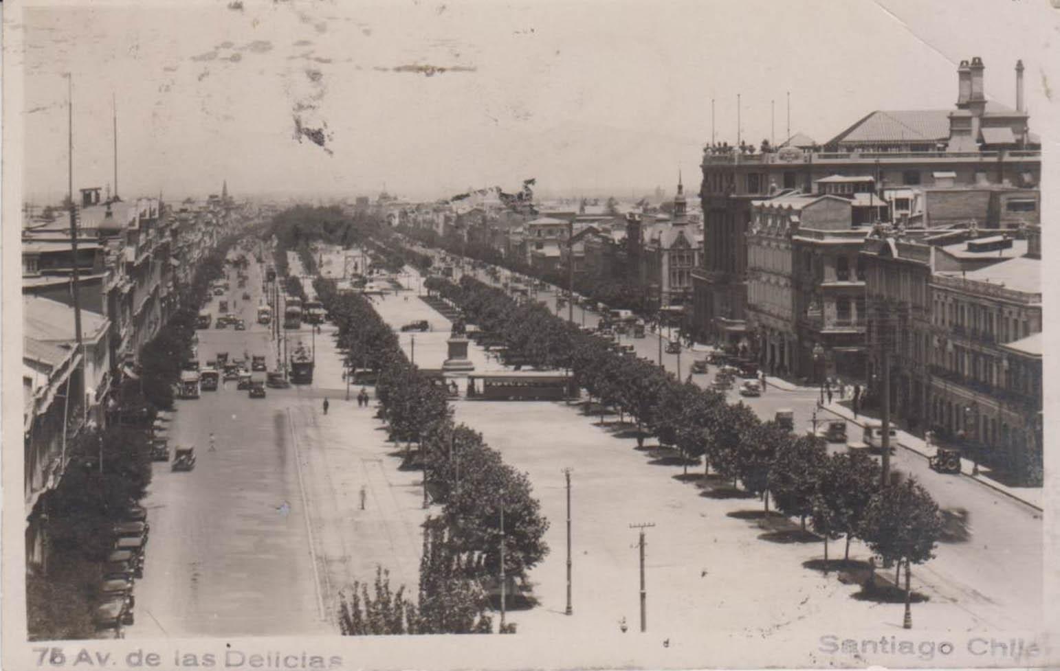 Enterreno - Fotos históricas de chile - fotos antiguas de Chile - Alameda de Santiago, 1928
