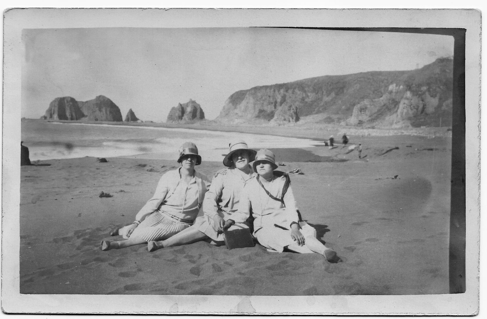 Enterreno - Fotos históricas de chile - fotos antiguas de Chile - Balneario de Constitución, verano 1928