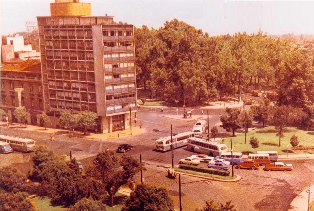 Enterreno - Fotos históricas de chile - fotos antiguas de Chile - Plaza Baquedano, 1960