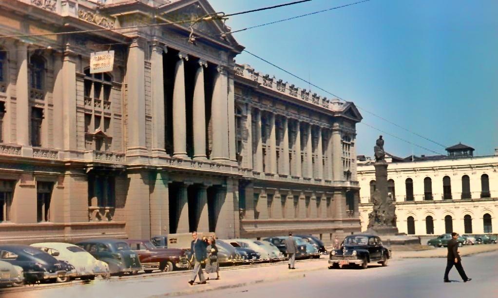 Enterreno - Fotos históricas de chile - fotos antiguas de Chile - Palacio de los Tribunales de Justicia, 1958