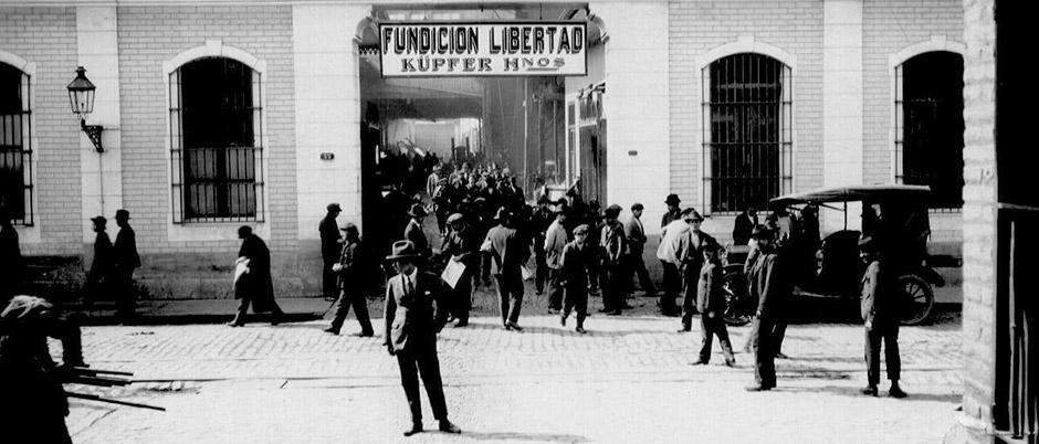 Enterreno - Fotos históricas de chile - fotos antiguas de Chile - Fundición Libertad, 1925