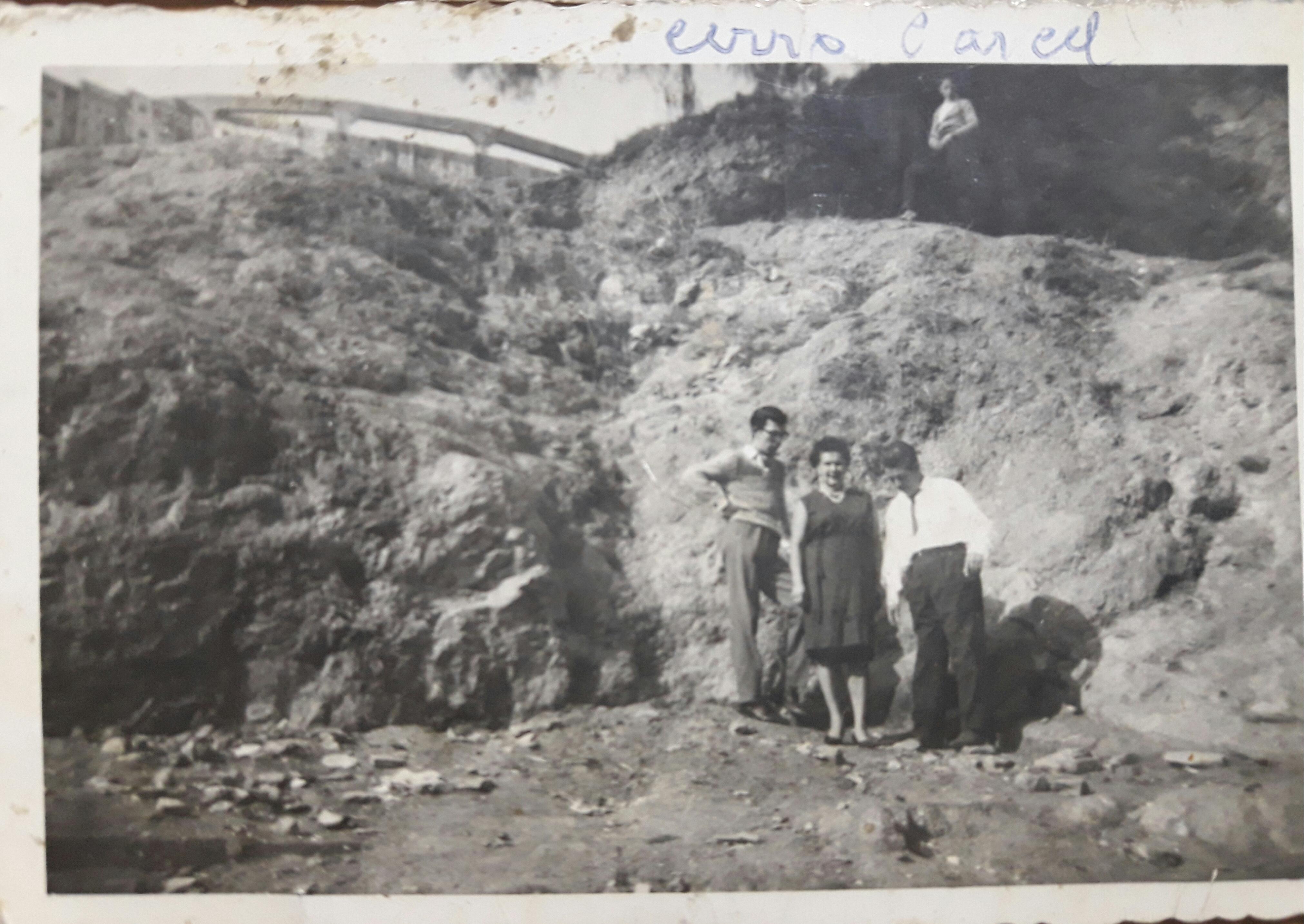 Enterreno - Fotos históricas de chile - fotos antiguas de Chile - Vista de estanque Cerro Cárcel, 1960