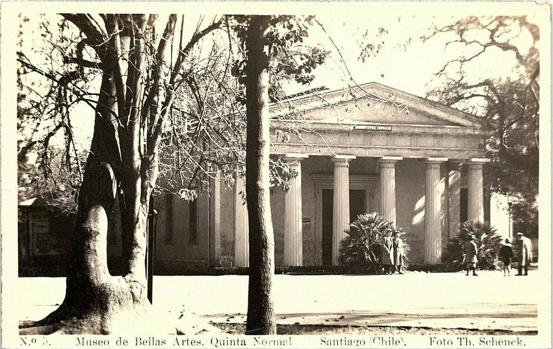 Enterreno - Fotos históricas de chile - fotos antiguas de Chile - Museo de Bellas Artes en la Quinta Normal, 1948