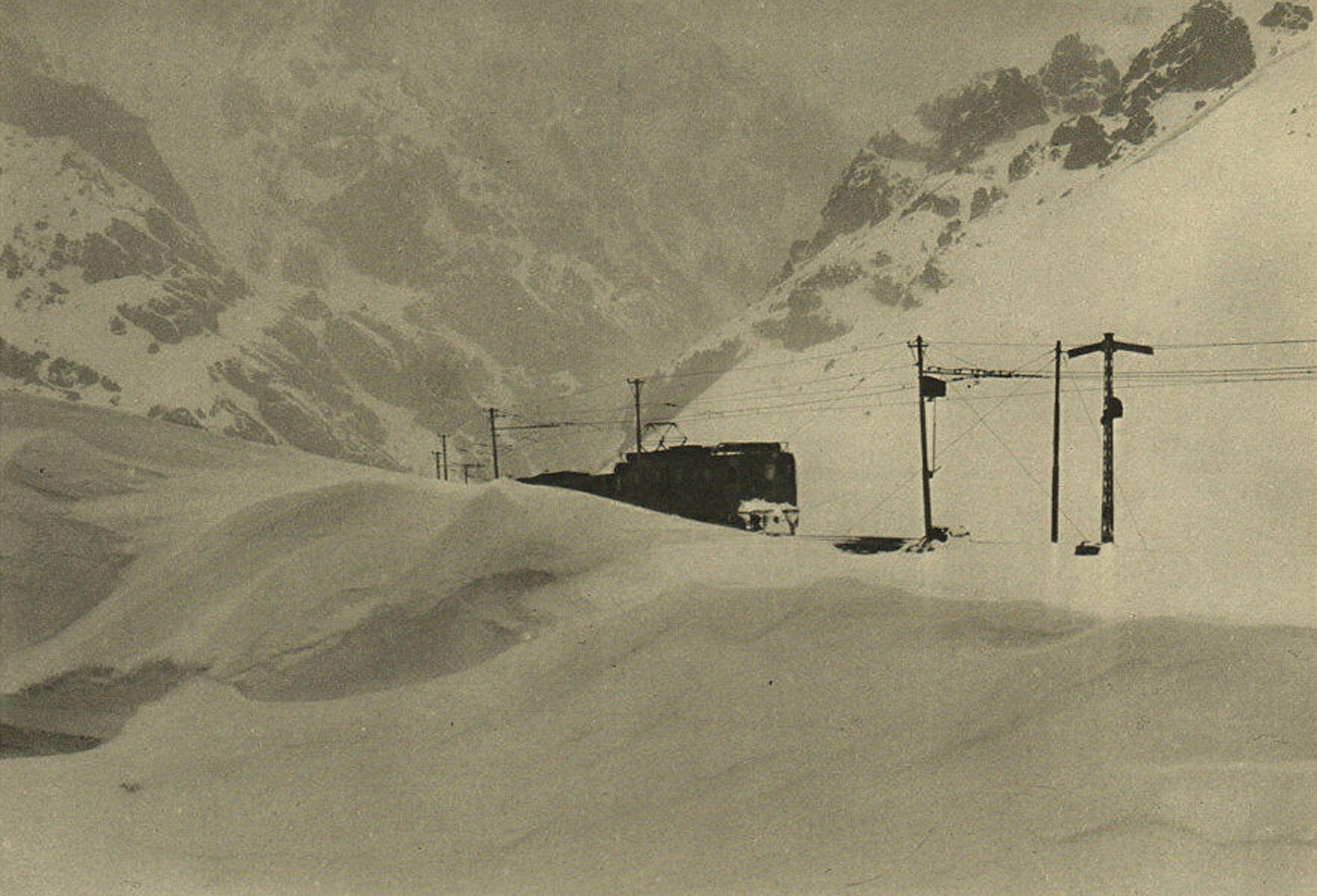Enterreno - Fotos históricas de chile - fotos antiguas de Chile - Ferrocarril Trasandino en invierno, 1942