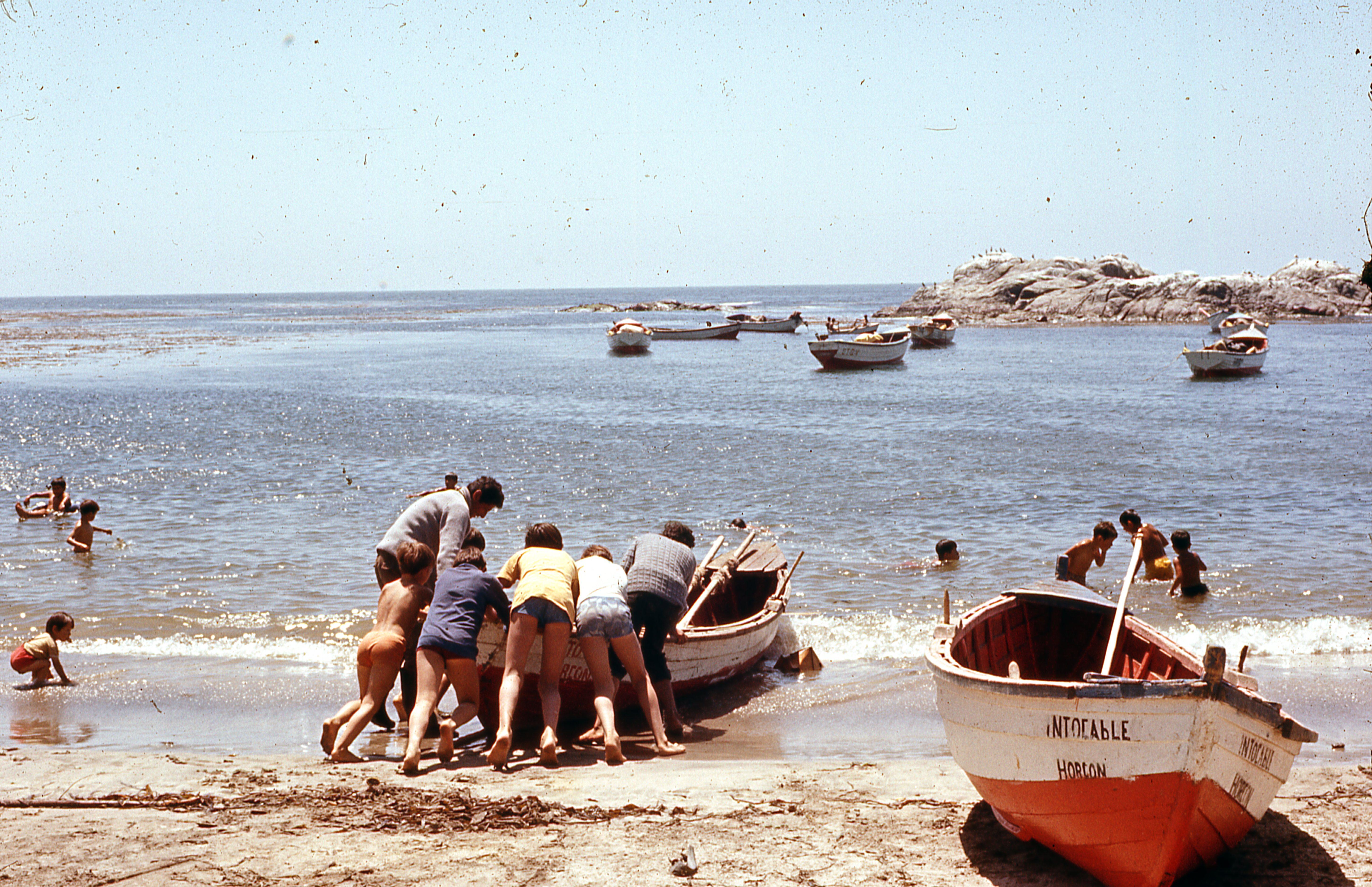 Enterreno - Fotos históricas de chile - fotos antiguas de Chile - Foto tomada por Antonio Labadía