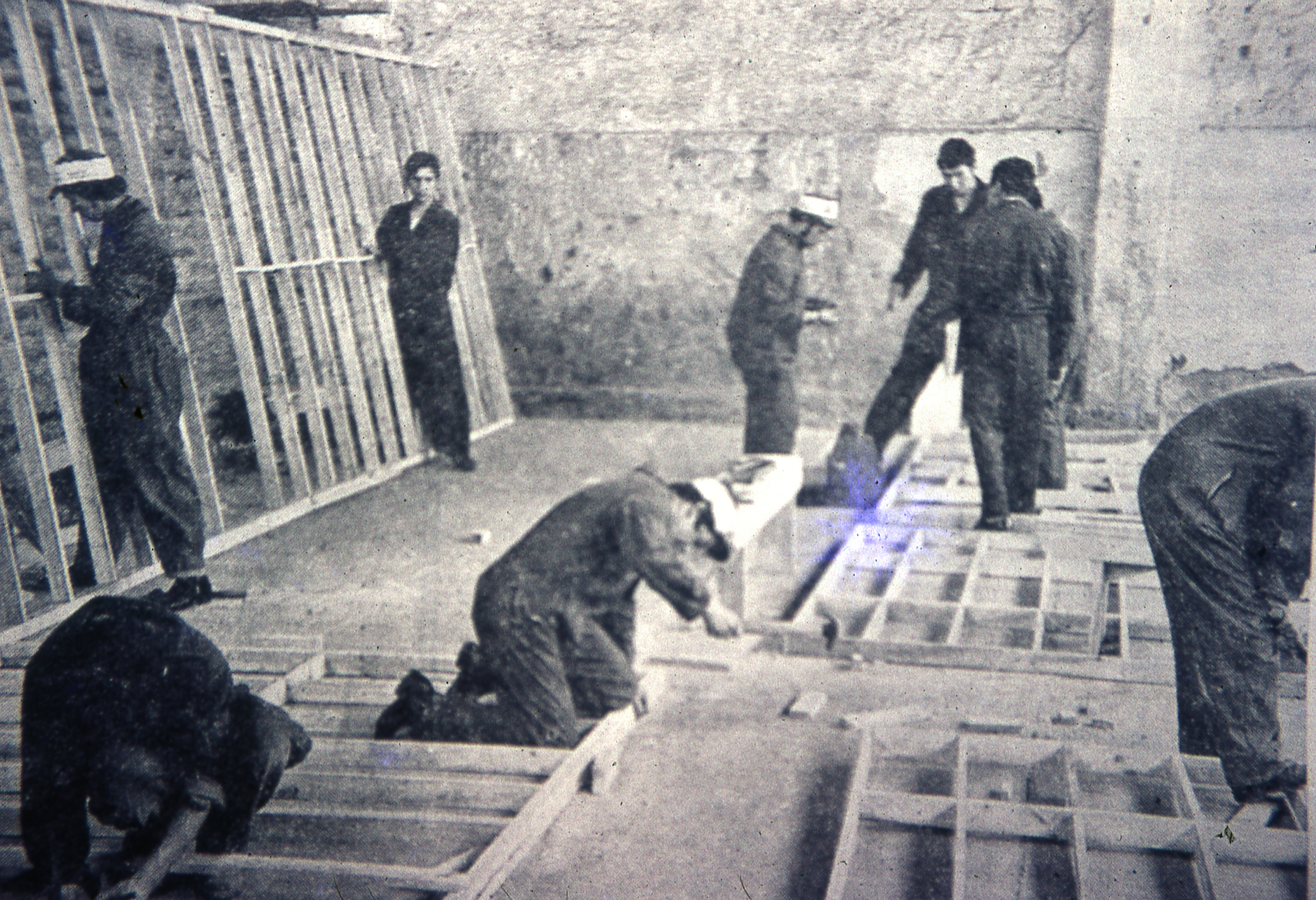 Enterreno - Fotos históricas de chile - fotos antiguas de Chile - Paneles Inacap, 1977