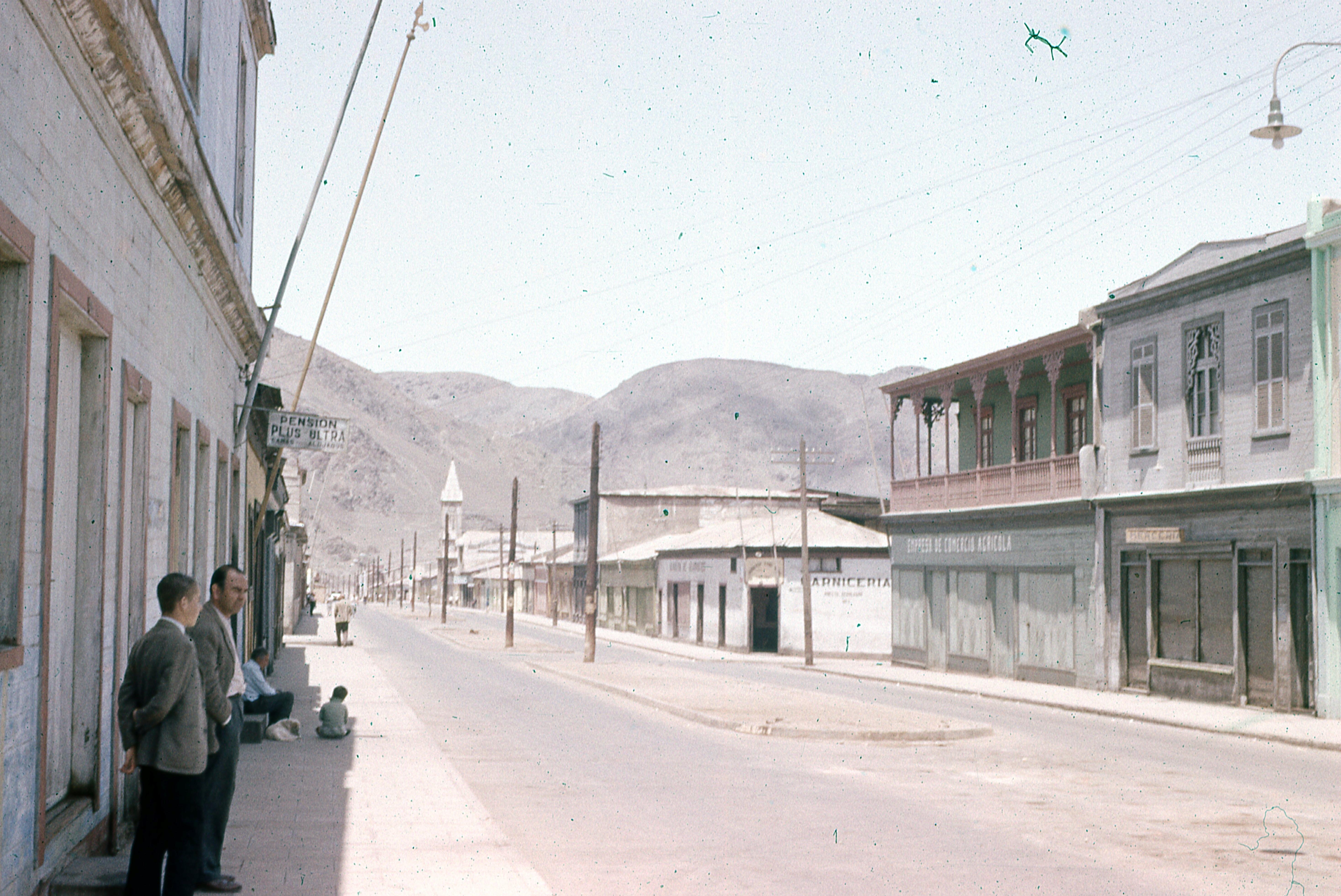Enterreno - Fotos históricas de chile - fotos antiguas de Chile - Taltal, 1977
