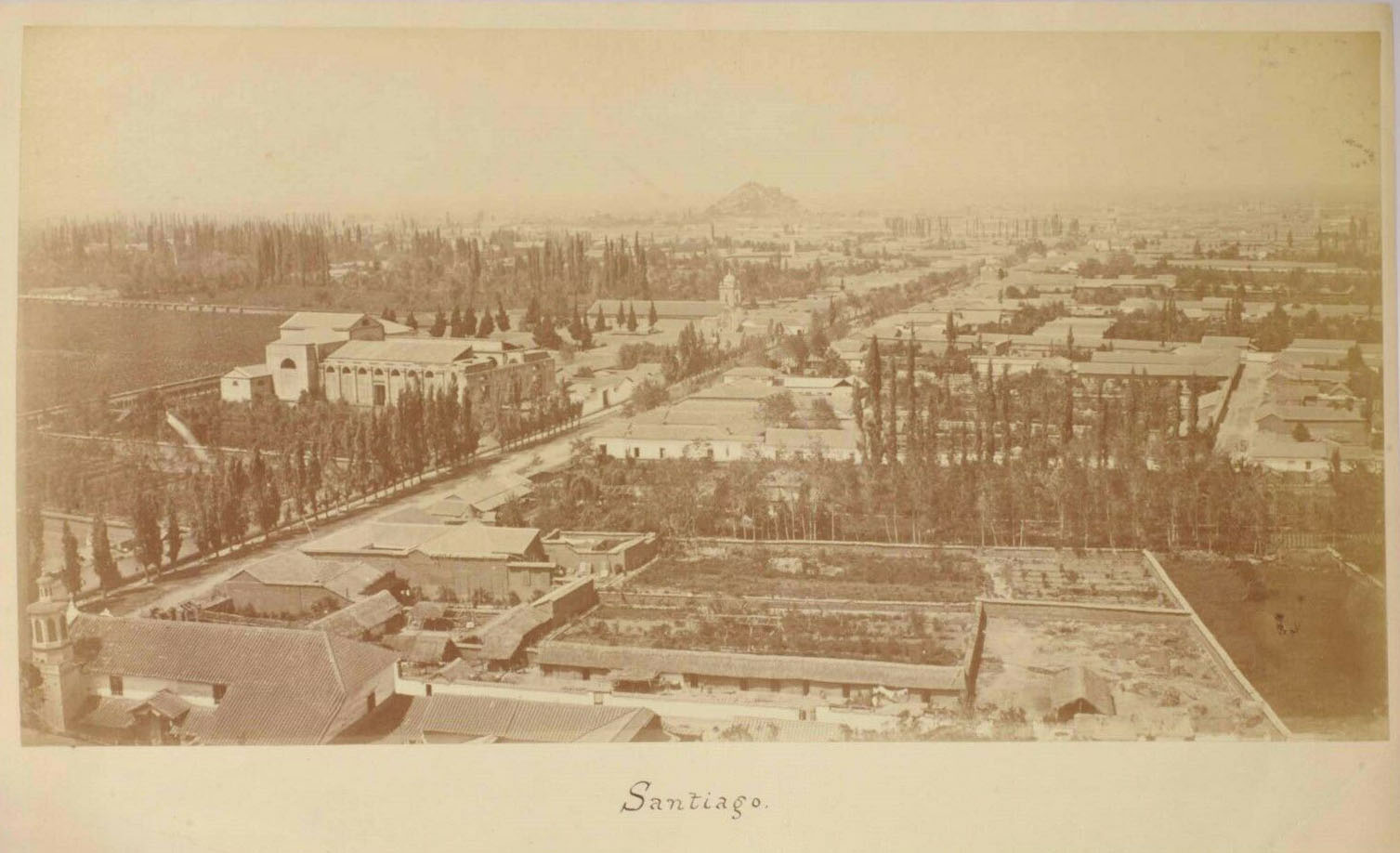 Enterreno - Fotos históricas de chile - fotos antiguas de Chile - Calle Recoleta en 1870