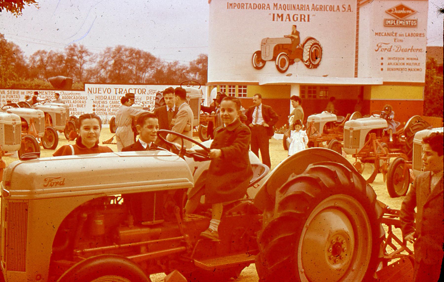 Enterreno - Fotos históricas de chile - fotos antiguas de Chile - Fisa o similar, 1948