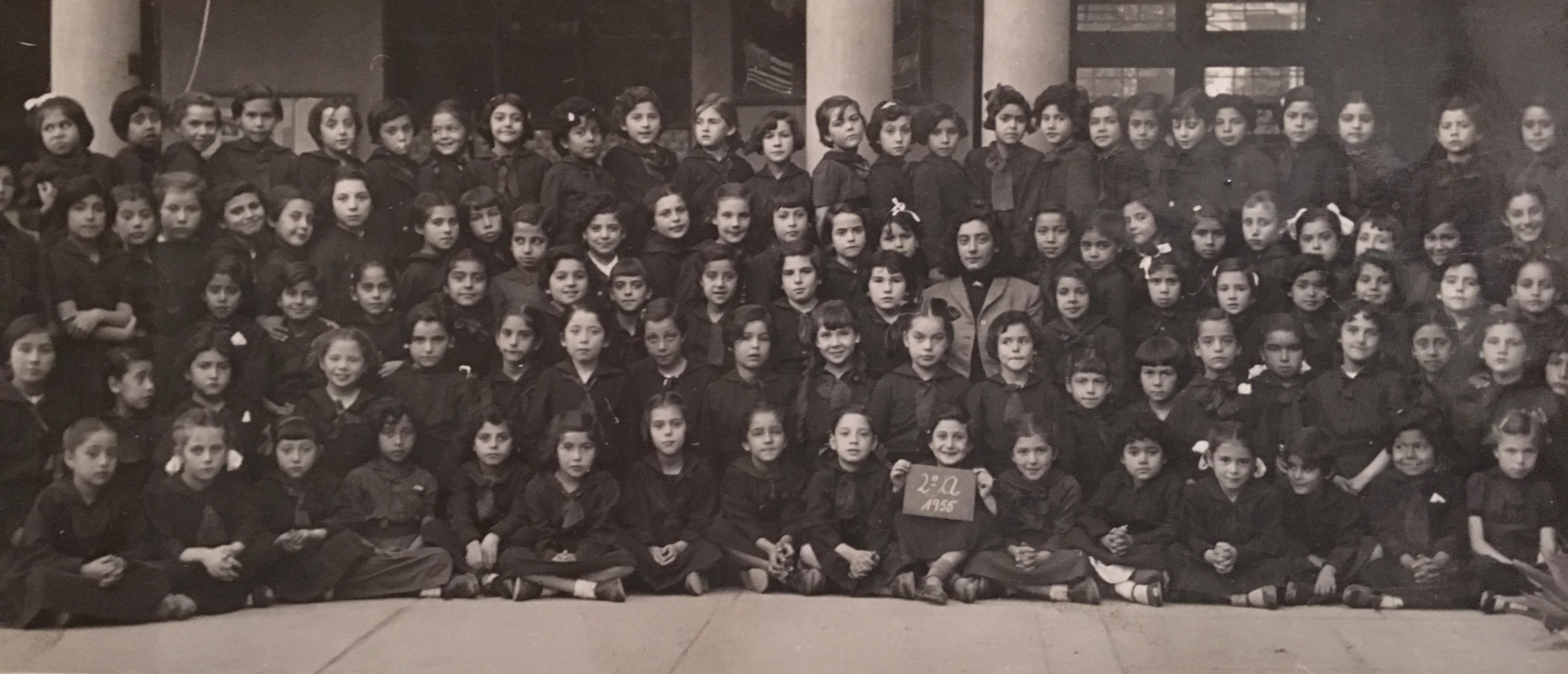 Enterreno - Fotos históricas de chile - fotos antiguas de Chile - Colegio Francisco Arriaran, 1955