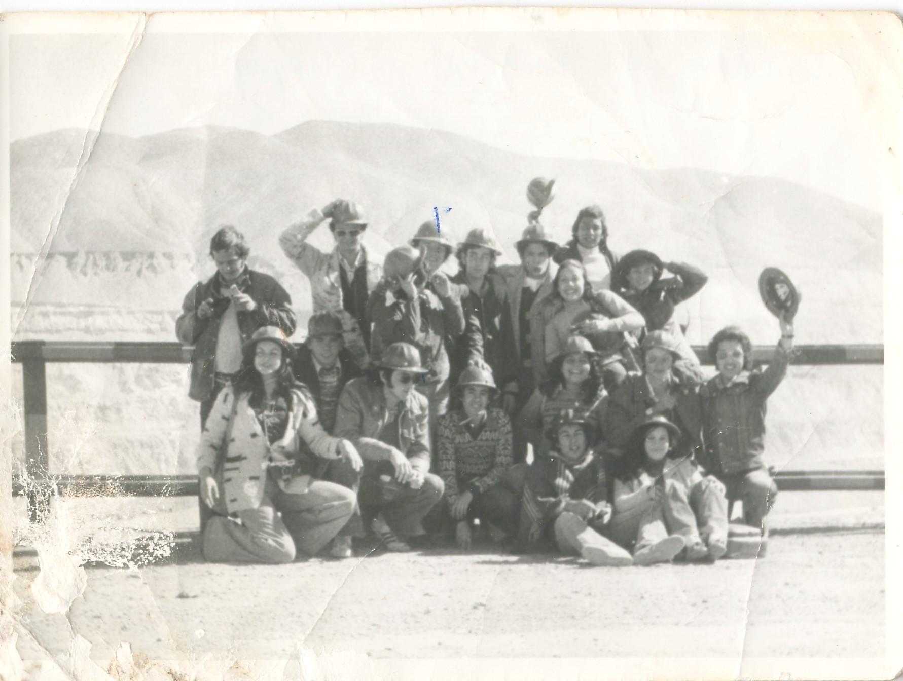 Enterreno - Fotos históricas de chile - fotos antiguas de Chile - Viaje de estudios en Chuquicamata en 1975