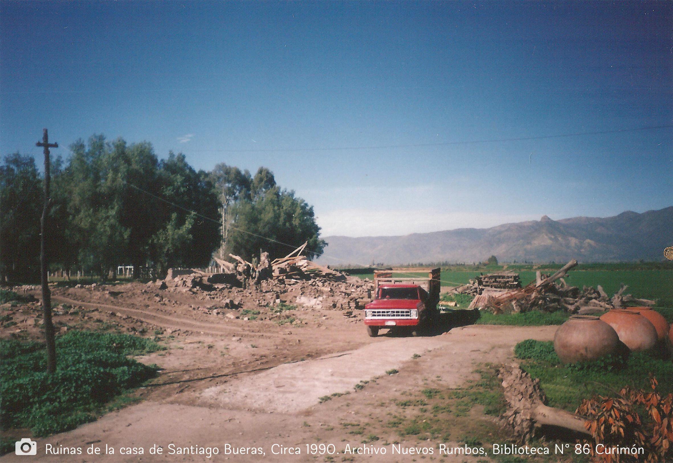 Enterreno - Fotos históricas de chile - fotos antiguas de Chile - Desmantelación de la Casa de Santiago Bueras, 1990