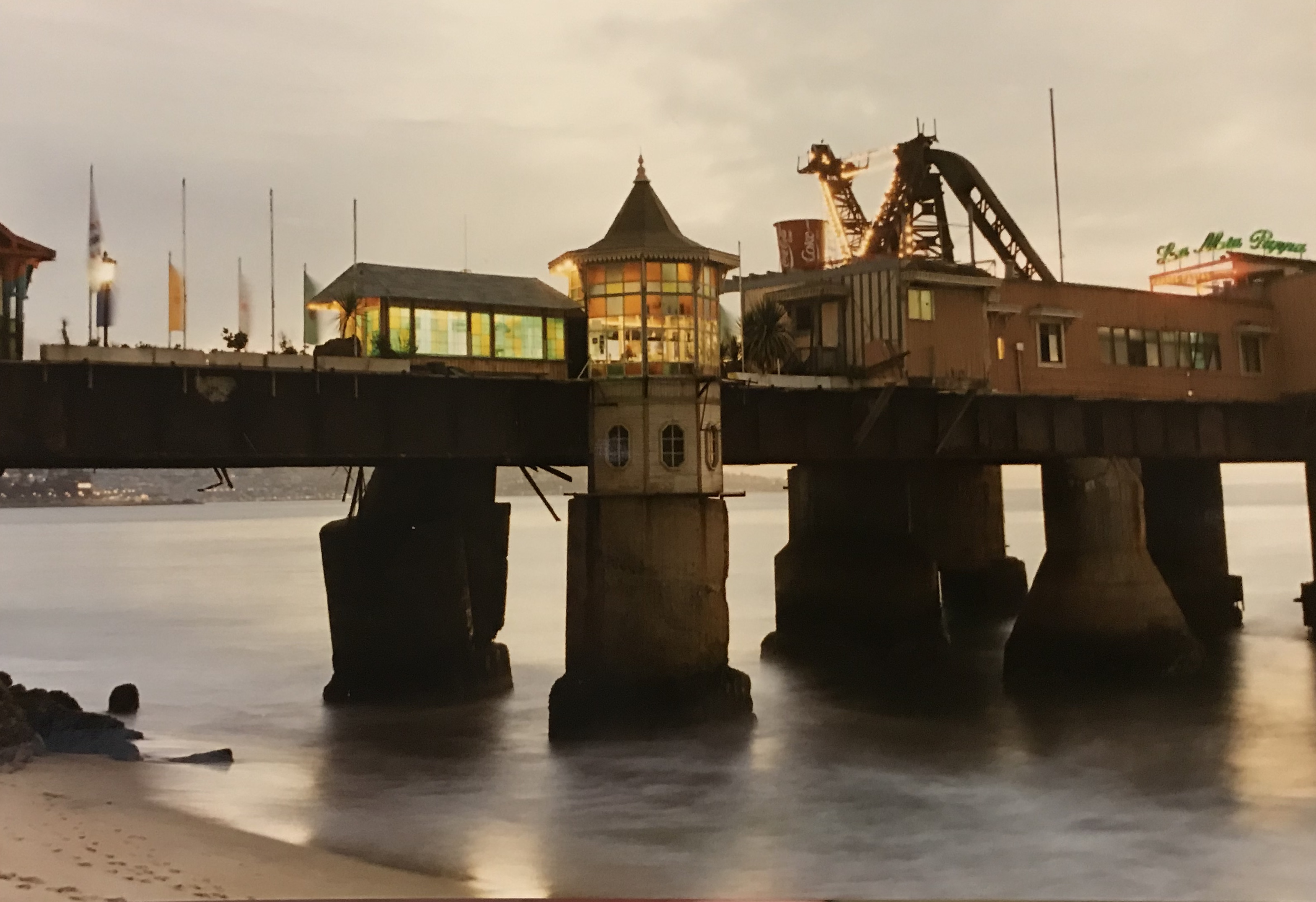 Enterreno - Fotos históricas de chile - fotos antiguas de Chile - Muelle Vergara en Viña del Mar, 1995
