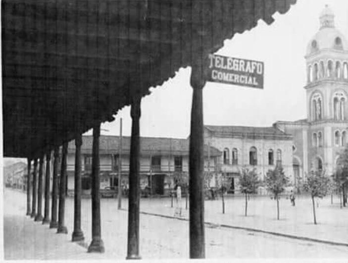 Enterreno - Fotos históricas de chile - fotos antiguas de Chile - Oficina de telégrafos en Cauquenes, 1920