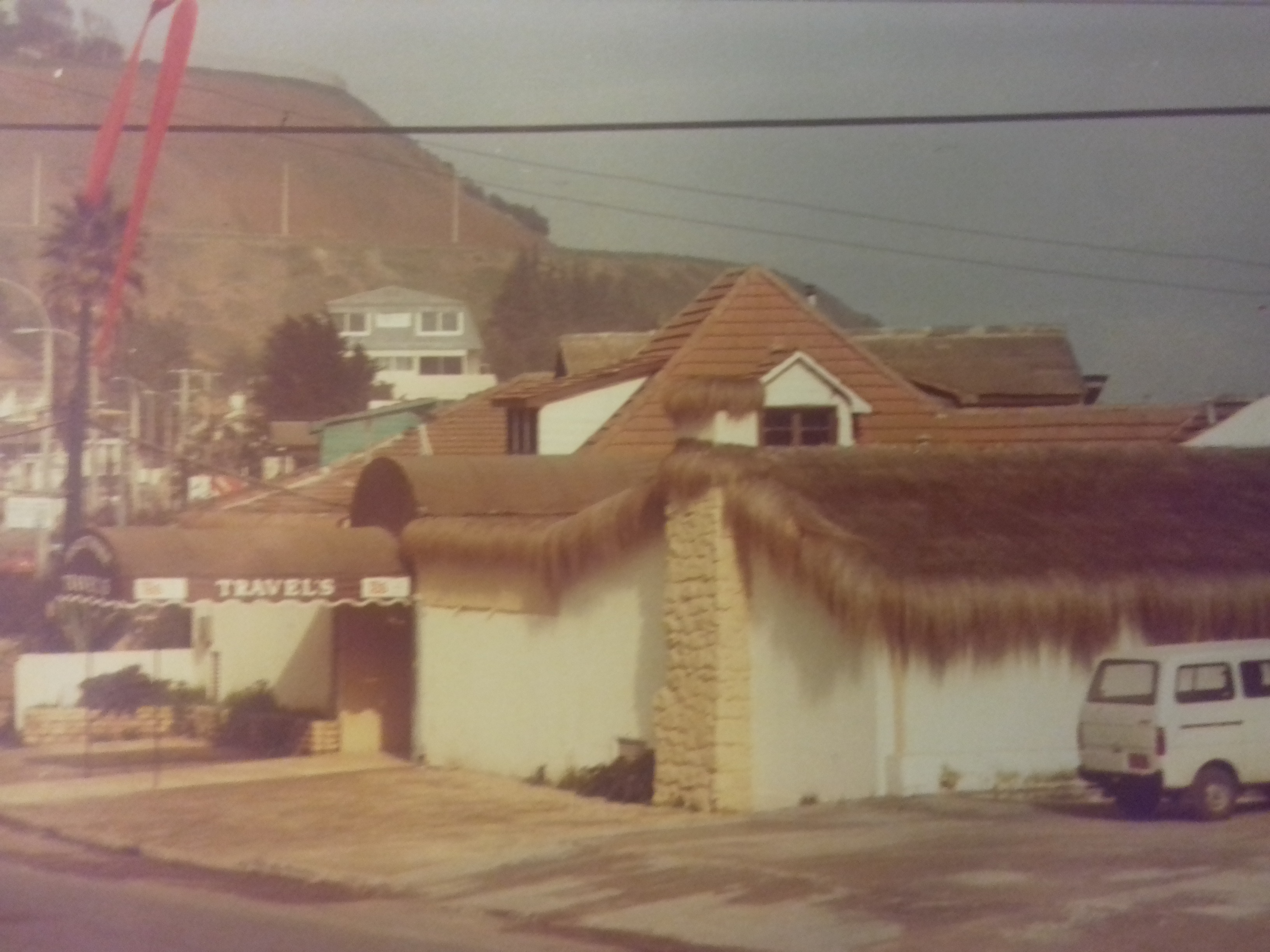 Enterreno - Fotos históricas de chile - fotos antiguas de Chile - Dicoteca Travels, 1982