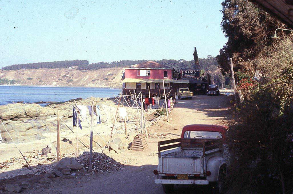 Enterreno - Fotos históricas de chile - fotos antiguas de Chile - Lugar desconocido cerca de Reñaca, 1982
