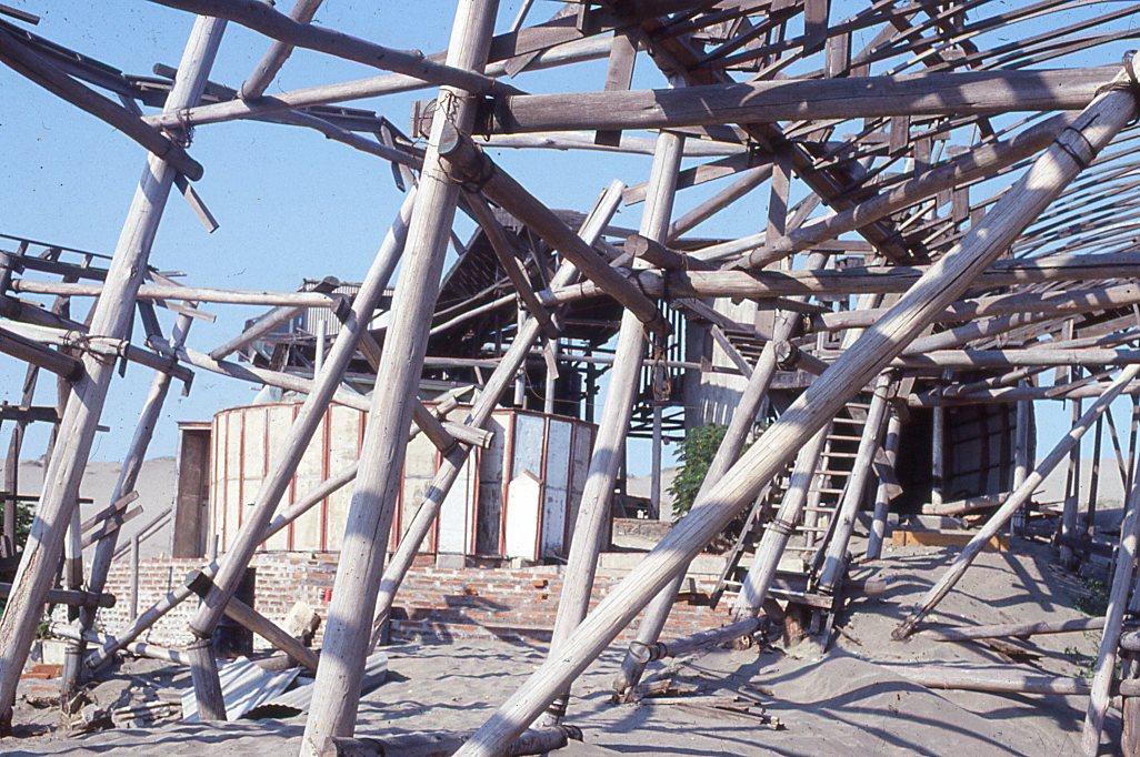 Enterreno - Fotos históricas de chile - fotos antiguas de Chile - Construcción cerca dunas de Concón, 1982