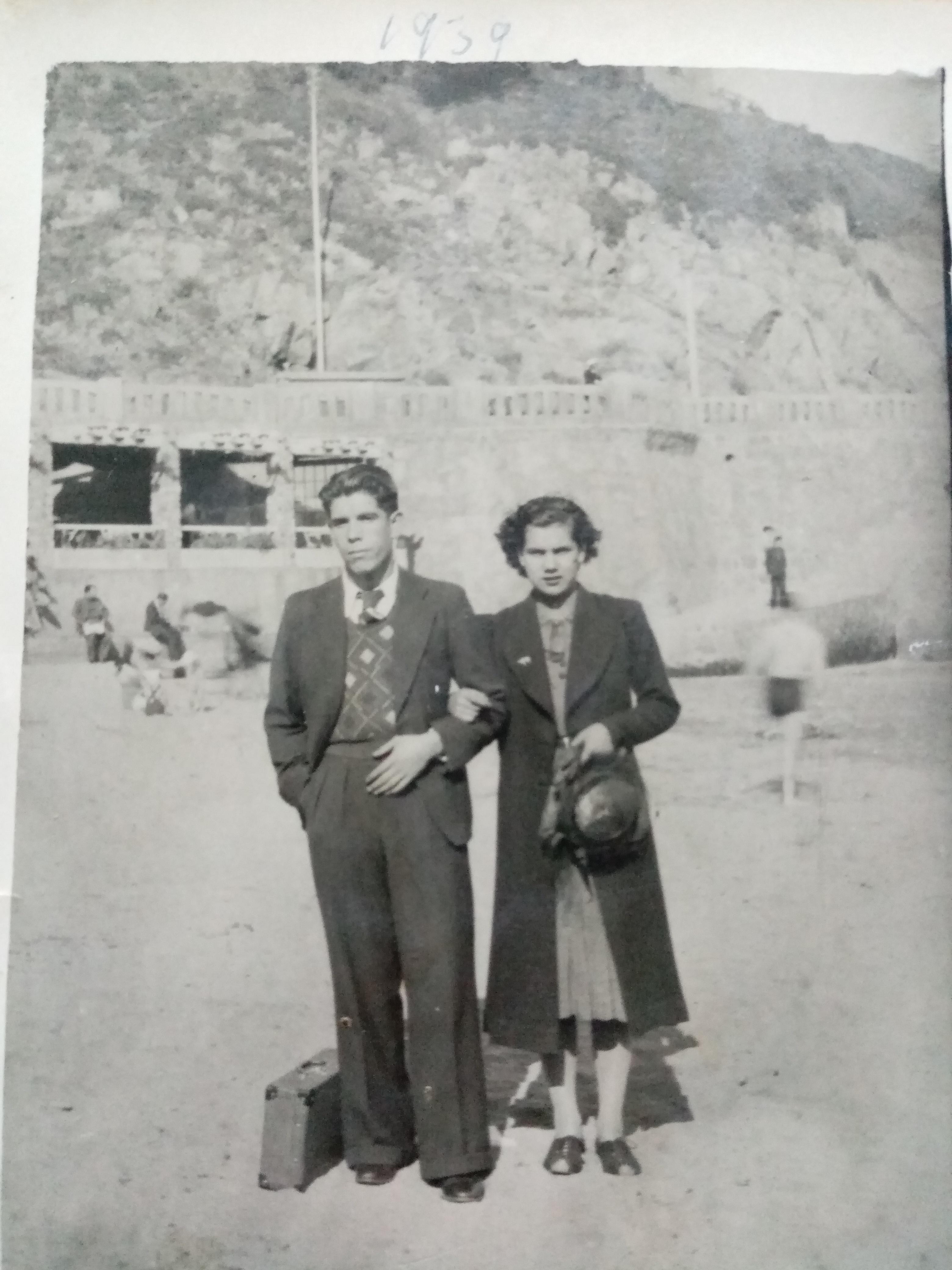 Enterreno - Fotos históricas de chile - fotos antiguas de Chile - Visitantes Playa Las Torpederas, 1939