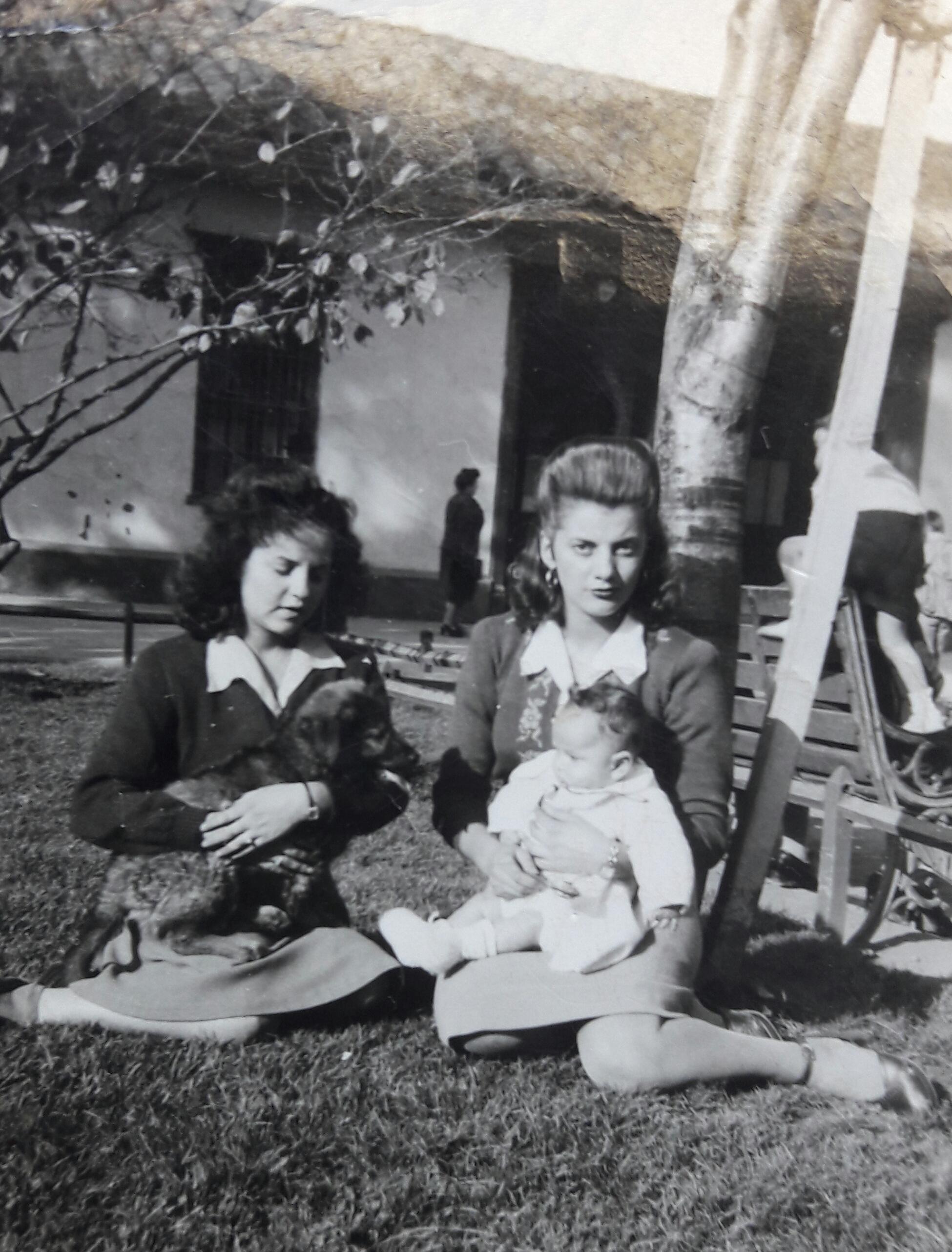Enterreno - Fotos históricas de chile - fotos antiguas de Chile - Costa Restaurante, 1941