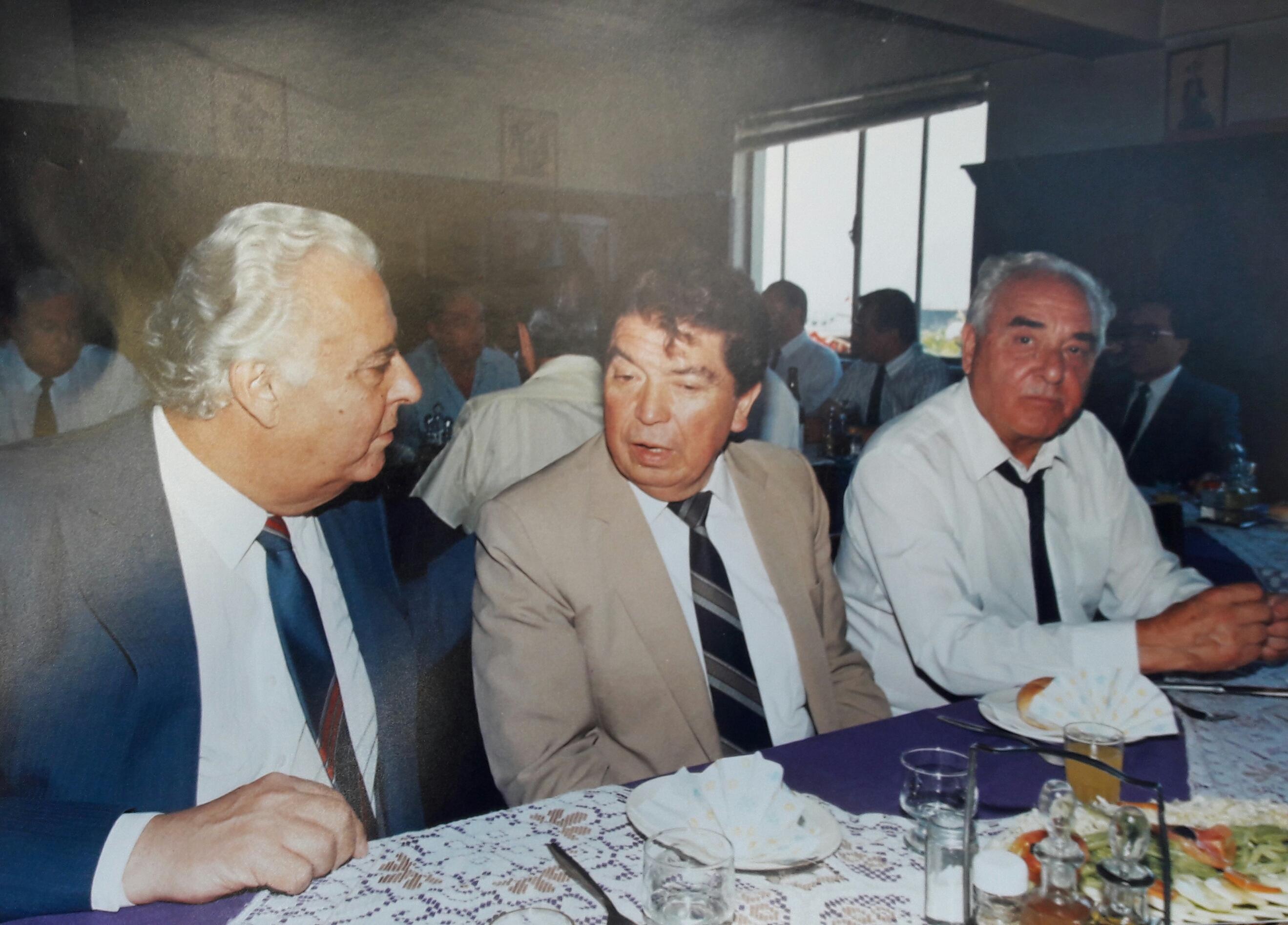 Enterreno - Fotos históricas de chile - fotos antiguas de Chile - Club de Hombres Sportsmens, 1990