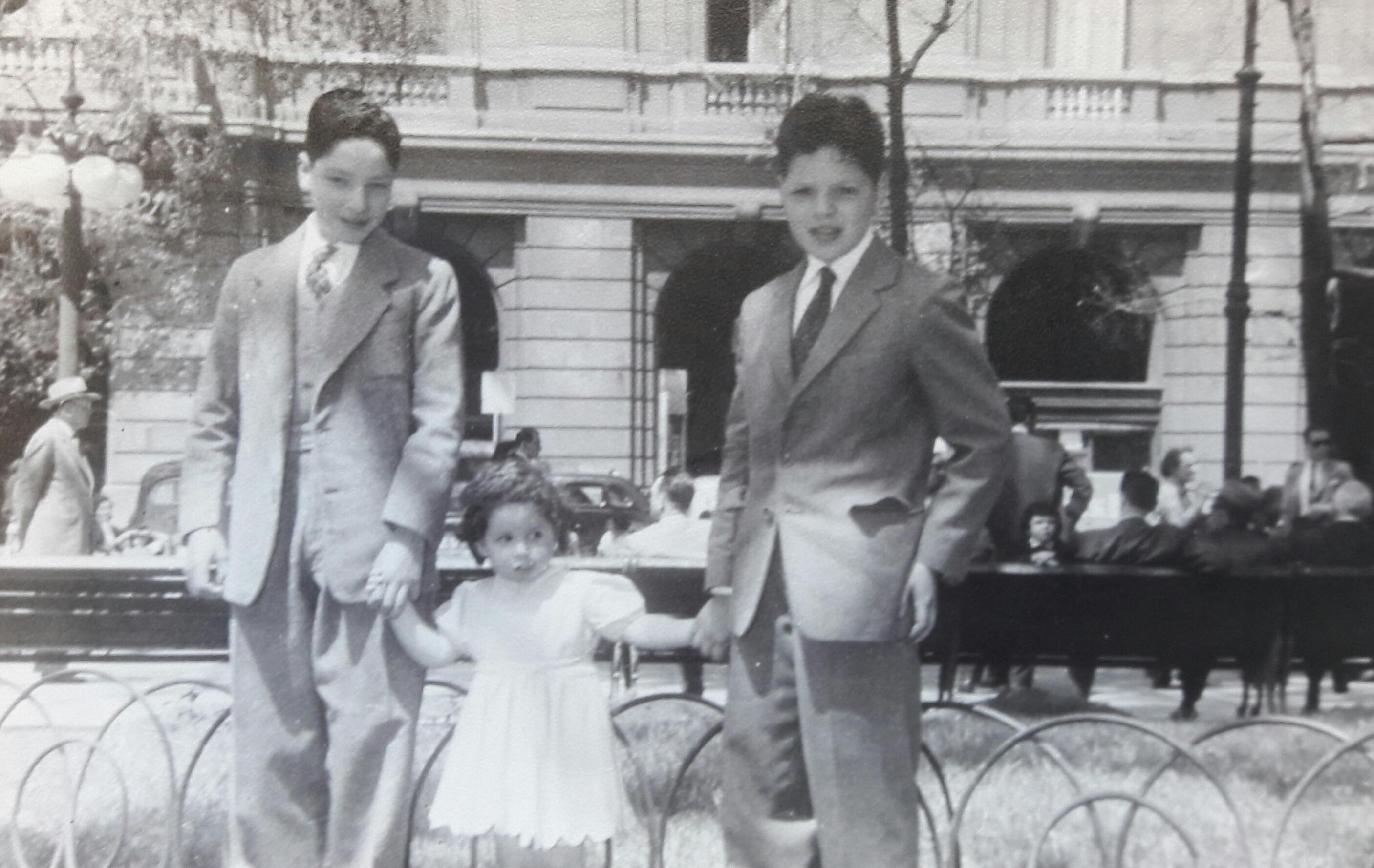 Enterreno - Fotos históricas de chile - fotos antiguas de Chile - Plaza de Armas, 1958