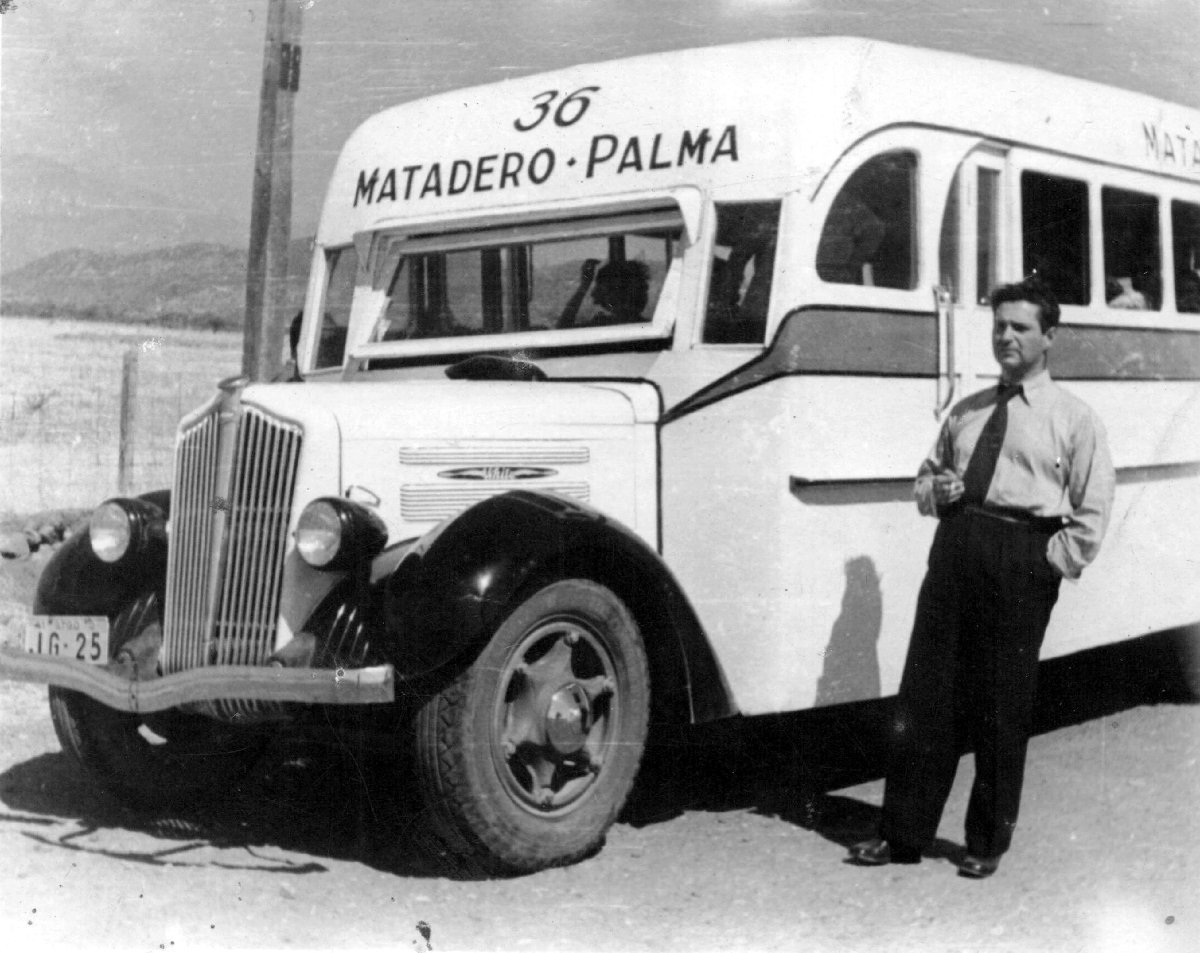 Enterreno - Fotos históricas de chile - fotos antiguas de Chile - Bus Matadero Palma, 1940