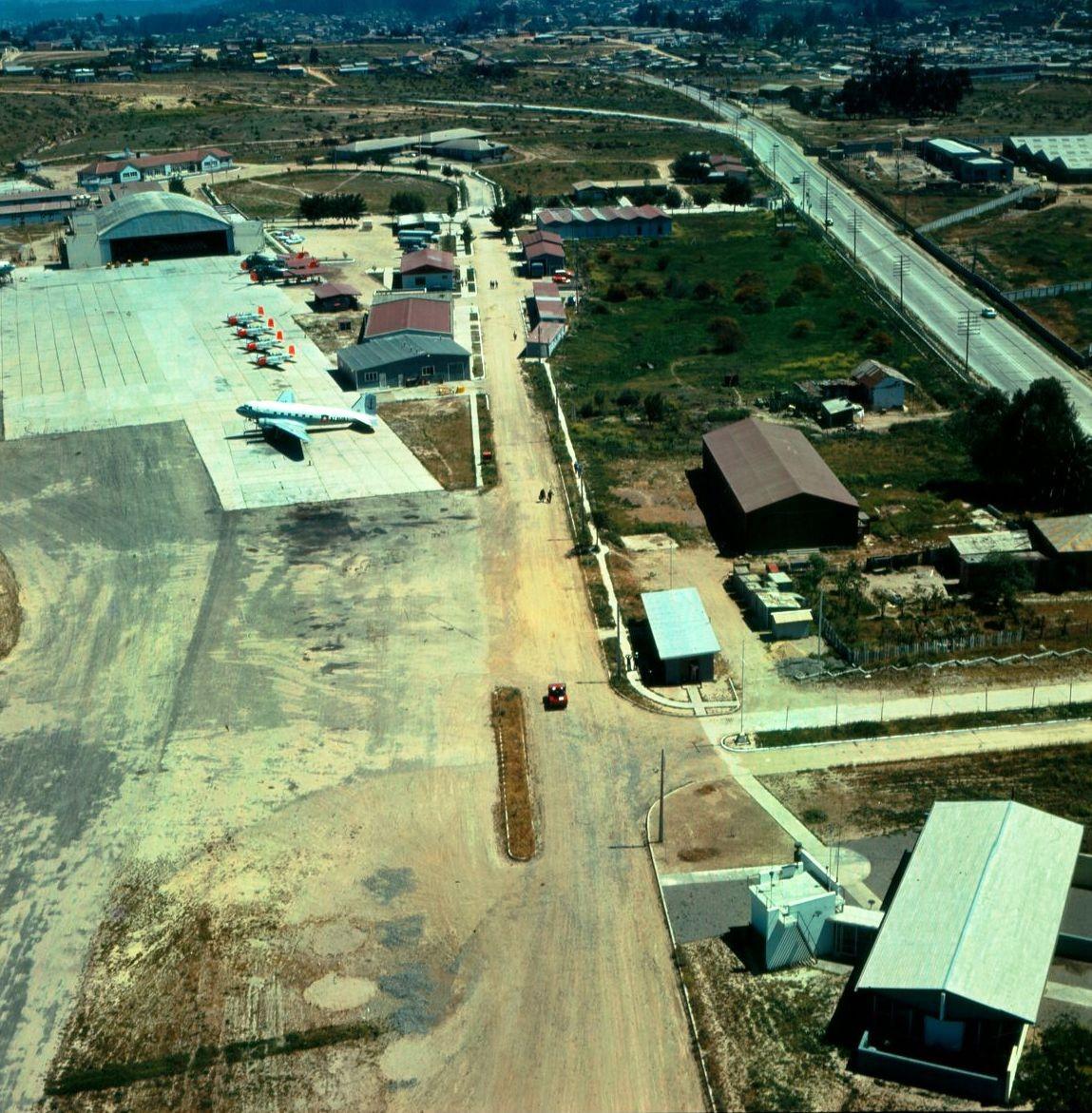 """Enterreno - Fotos históricas de chile - fotos antiguas de Chile - Base Aeronaval """"El Belloto"""", Quilpué, 1970"""