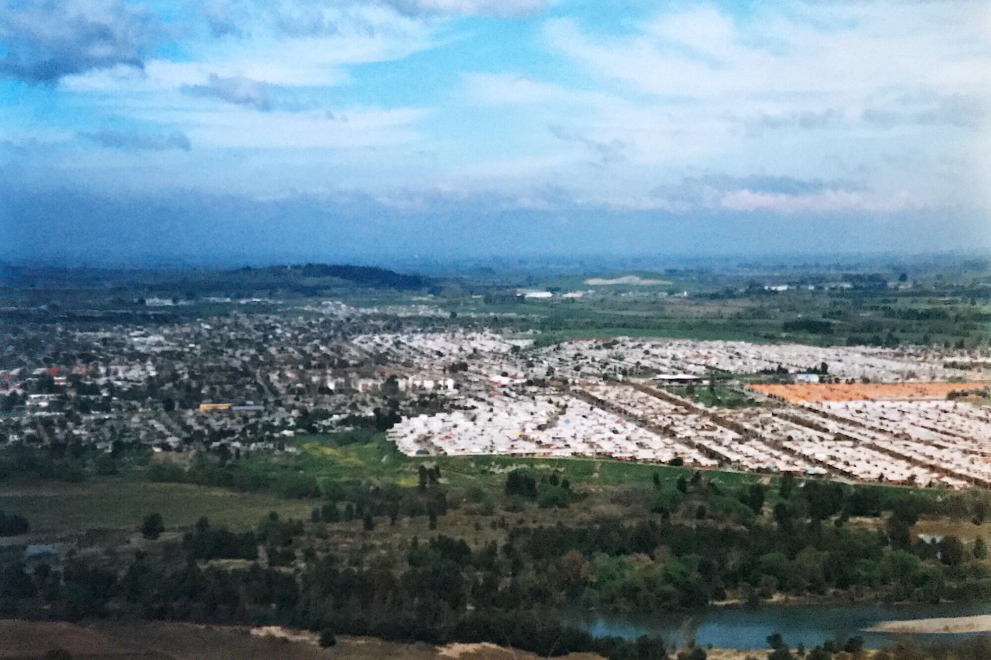 Enterreno - Fotos históricas de chile - fotos antiguas de Chile - Panorámica de Talca en 1999