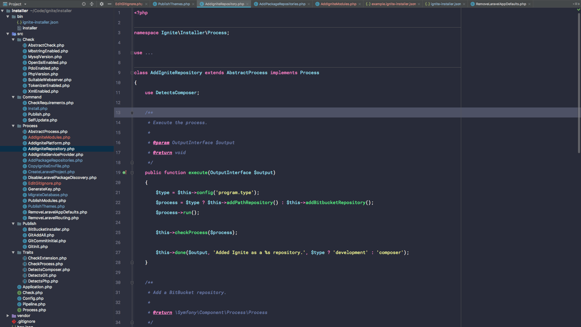 PHPStorm using Dracula with Material UI, Roboto Mono 15pt