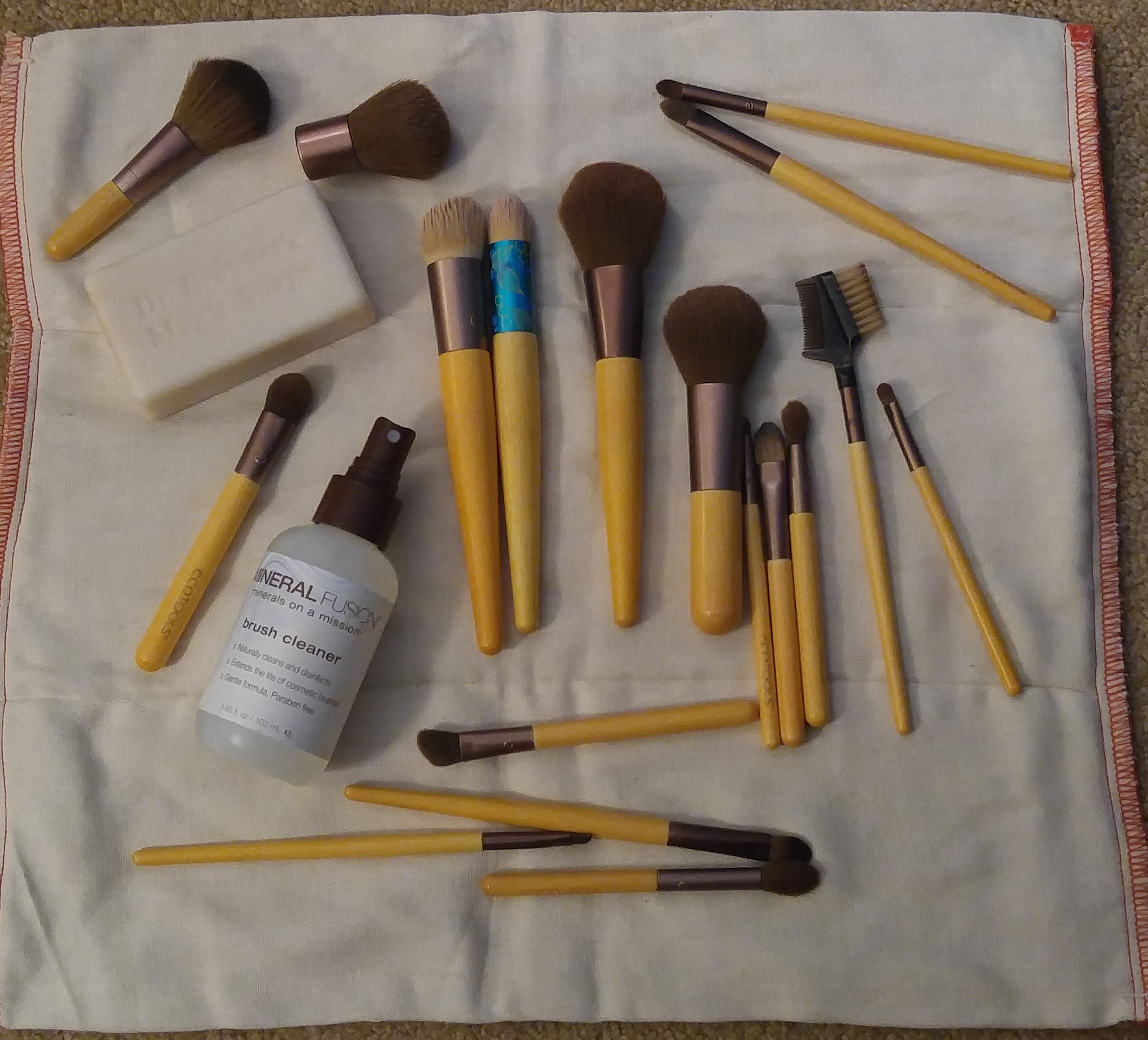 the importance of cleaning your brushes and things to use that are vegan and cruelty-free