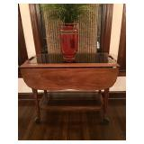 Vintage tea cart inset mirror/glass shelves, great condition