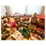 Assorted holiday pieces