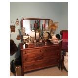 dresser/lamps sold