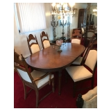 Dining room w/6 chairs