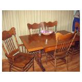 Dining Room  Dining table w/6 chairs & 2 leaves