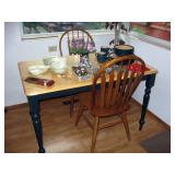 Kitchen  Table w/2 chairs,