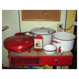 Kitchen Fiesta Quesadilla Maker, Red/White Porcelain Pots