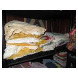Back Bed Room: Blankets